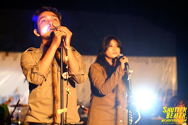 Angsa & Serigala live at Bandoengsche