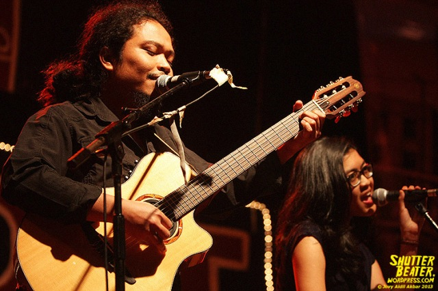 Payung Teduh at 3rd music Gallery-26