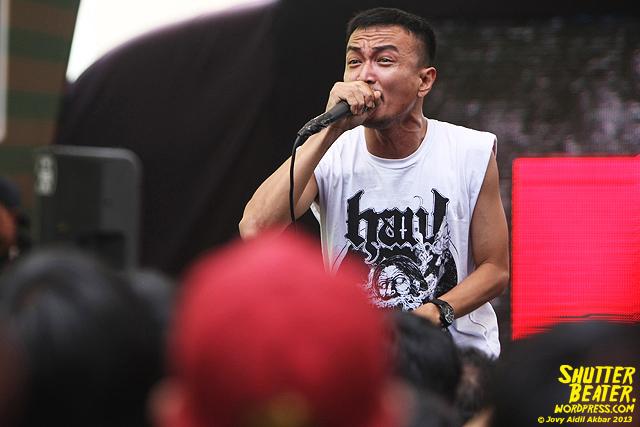 AUMAN at Bandung Berisik 2013-10
