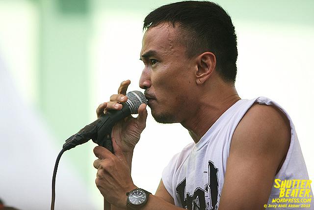 AUMAN at Bandung Berisik 2013-12