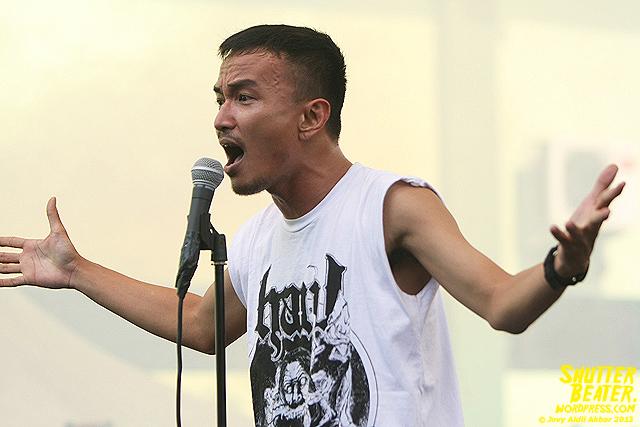 AUMAN at Bandung Berisik 2013-13