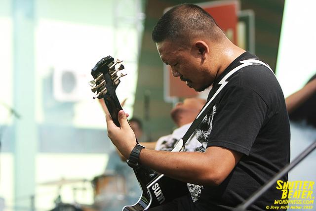 AUMAN at Bandung Berisik 2013-14