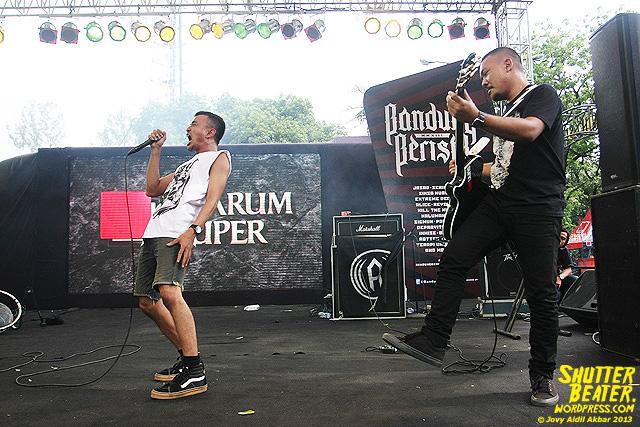 AUMAN at Bandung Berisik 2013-31
