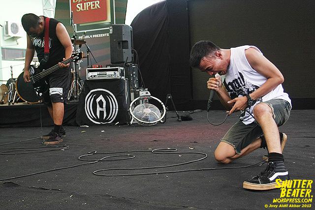AUMAN at Bandung Berisik 2013-32