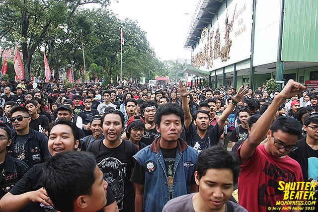 AUMAN at Bandung Berisik 2013-34