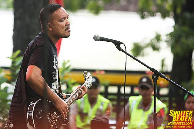 AUMAN at Bandung Berisik 2013-39