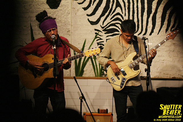 Dialog Dini Hari live at TREMENDEOUS-13