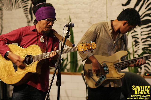 Dialog Dini Hari live at TREMENDEOUS-14