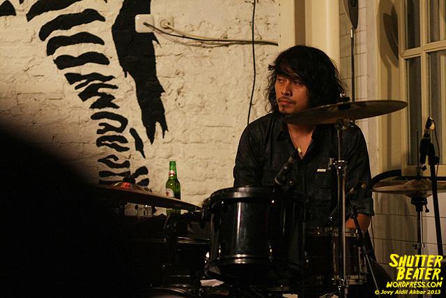 Dialog Dini Hari live at TREMENDEOUS-15