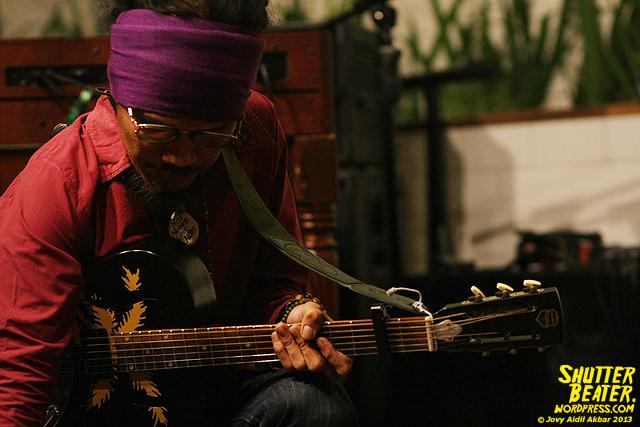 Dialog Dini Hari live at TREMENDEOUS-16