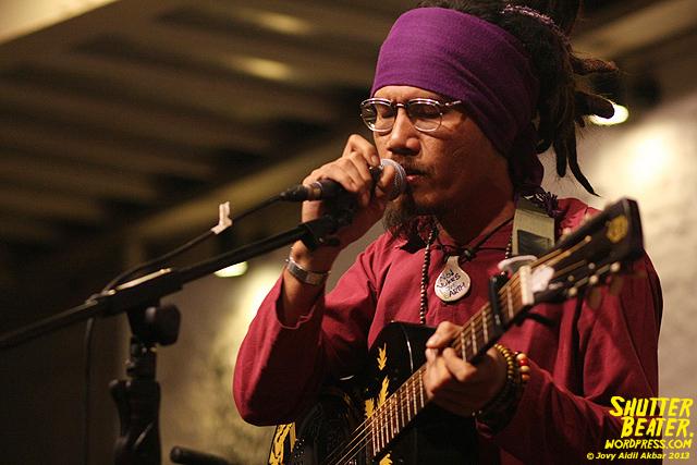 Dialog Dini Hari live at TREMENDEOUS-17