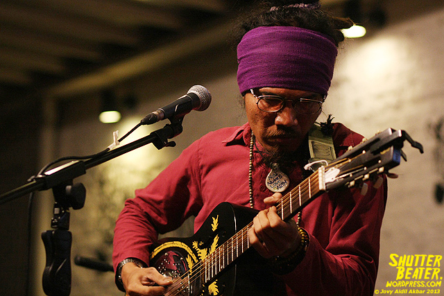 Dialog Dini Hari live at TREMENDEOUS-22
