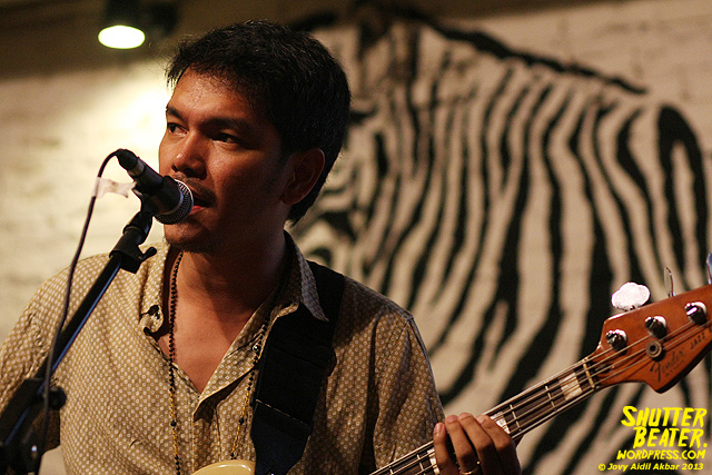 Dialog Dini Hari live at TREMENDEOUS-23