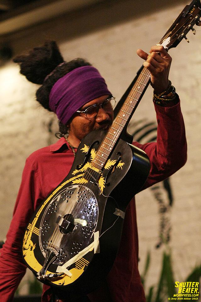 Dialog Dini Hari live at TREMENDEOUS-24