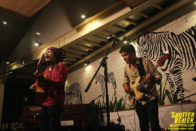 Dialog Dini Hari live at TREMENDEOUS-27