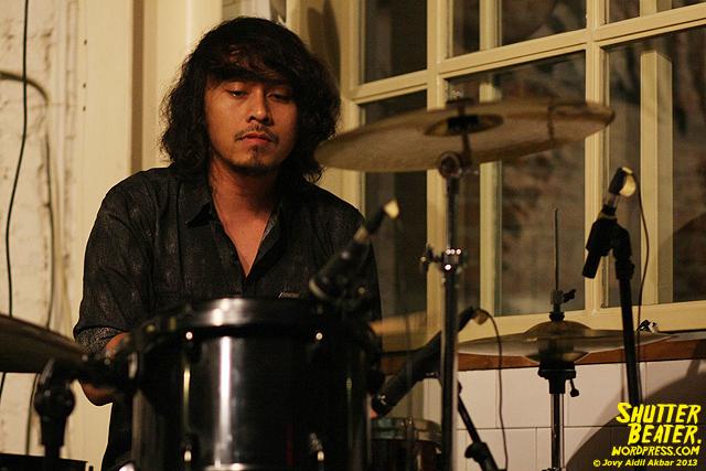 Dialog Dini Hari live at TREMENDEOUS-3