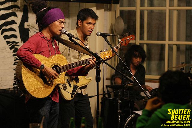 Dialog Dini Hari live at TREMENDEOUS-30