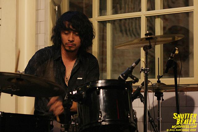 Dialog Dini Hari live at TREMENDEOUS-31