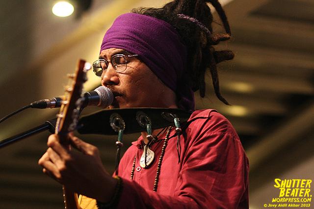 Dialog Dini Hari live at TREMENDEOUS-36