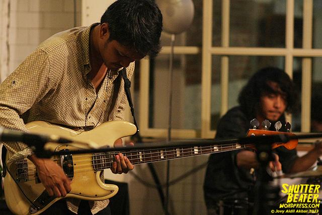 Dialog Dini Hari live at TREMENDEOUS-37