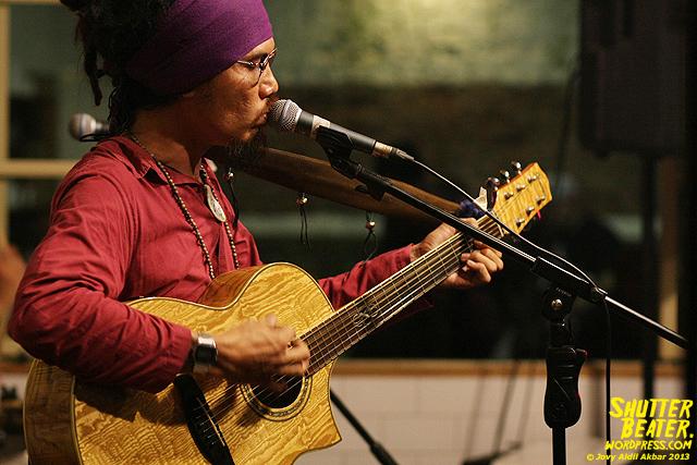 Dialog Dini Hari live at TREMENDEOUS-39