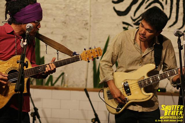 Dialog Dini Hari live at TREMENDEOUS-4