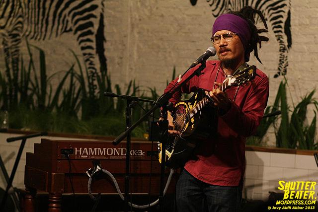 Dialog Dini Hari live at TREMENDEOUS-42