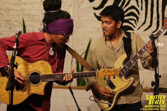 Dialog Dini Hari live at TREMENDEOUS-5