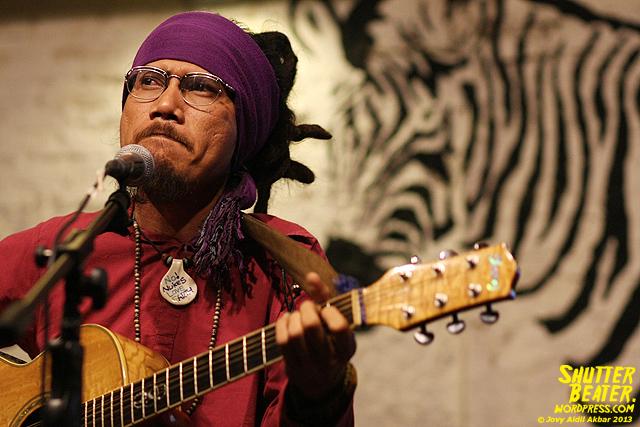 Dialog Dini Hari live at TREMENDEOUS-6
