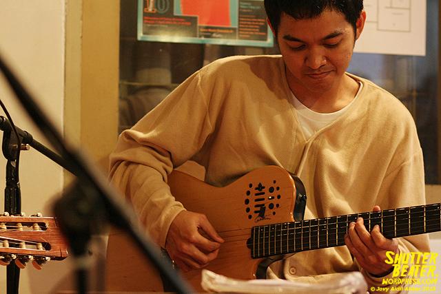 Nadafiksi live at Rukustik #5:Perayaan 10 Tahun Kineruku-15