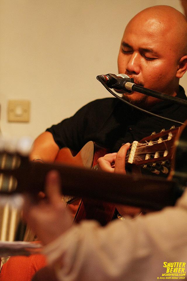Nadafiksi live at Rukustik #5:Perayaan 10 Tahun Kineruku-18