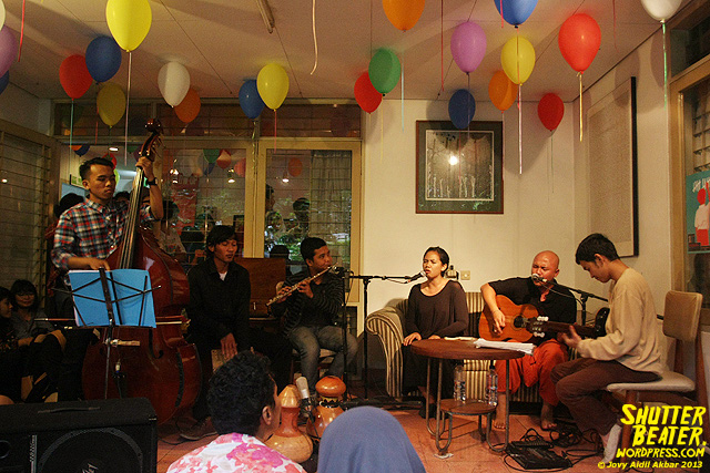 Nadafiksi live at Rukustik #5:Perayaan 10 Tahun Kineruku-26
