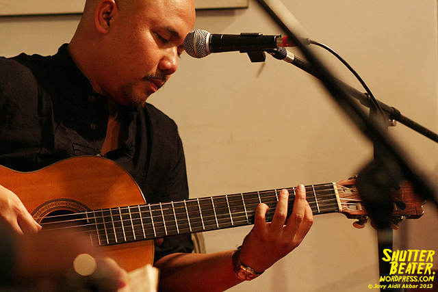 Nadafiksi live at Rukustik #5:Perayaan 10 Tahun Kineruku-28