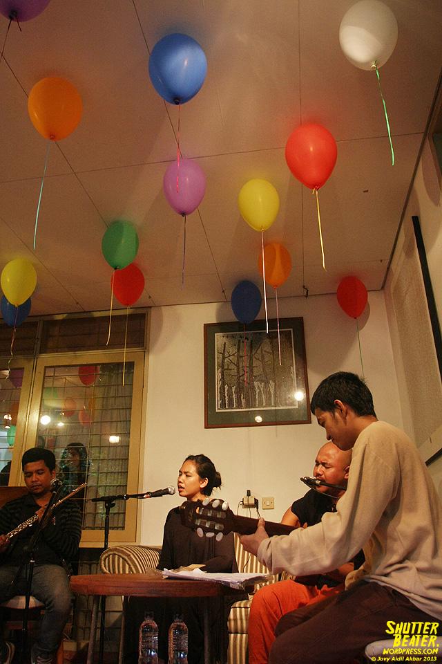 Nadafiksi live at Rukustik #5:Perayaan 10 Tahun Kineruku-29