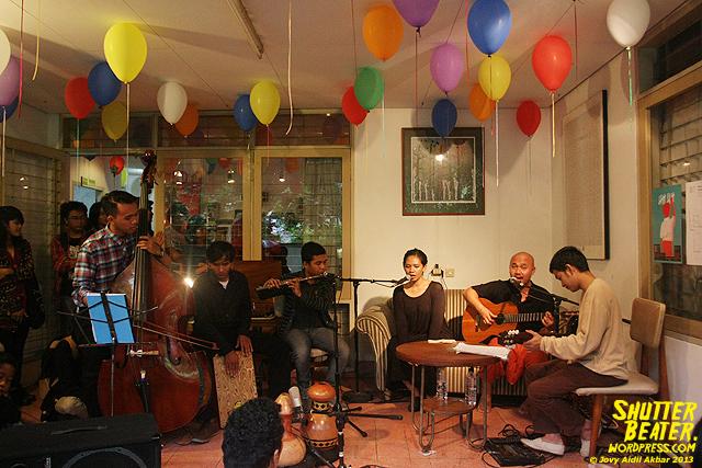 Nadafiksi live at Rukustik #5:Perayaan 10 Tahun Kineruku-31