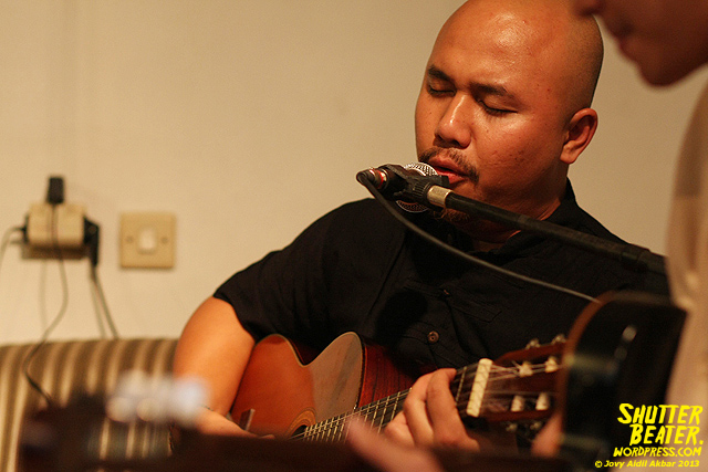 Nadafiksi live at Rukustik #5:Perayaan 10 Tahun Kineruku-4