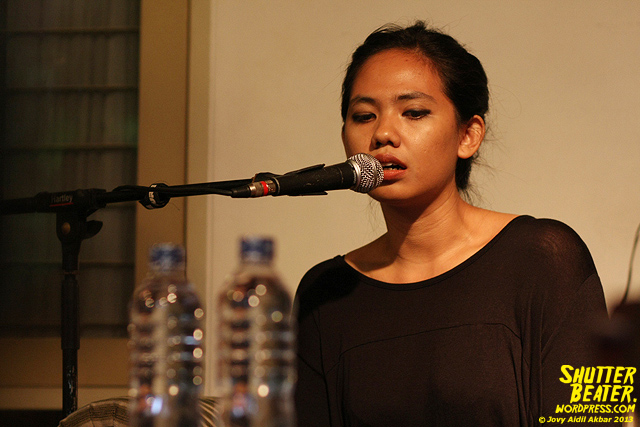 Nadafiksi live at Rukustik #5:Perayaan 10 Tahun Kineruku-5