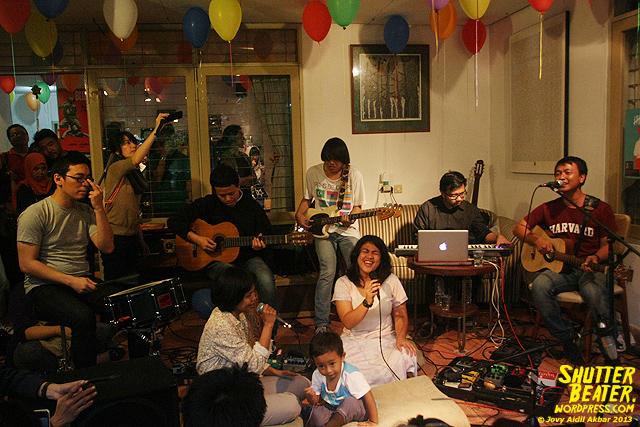 Pandai Besi live at Rukustik #5:Perayaan 10 Tahun Kineruku-10