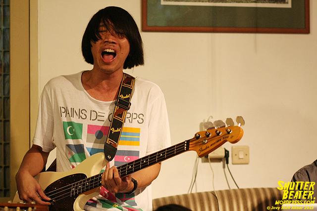 Pandai Besi live at Rukustik #5:Perayaan 10 Tahun Kineruku-14