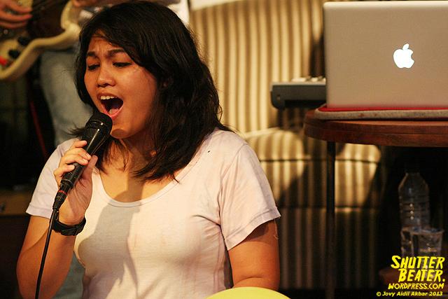 Pandai Besi live at Rukustik #5:Perayaan 10 Tahun Kineruku-15