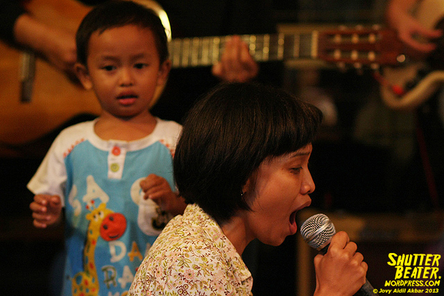 Pandai Besi live at Rukustik #5:Perayaan 10 Tahun Kineruku-16