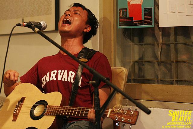Pandai Besi live at Rukustik #5:Perayaan 10 Tahun Kineruku-17