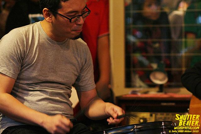 Pandai Besi live at Rukustik #5:Perayaan 10 Tahun Kineruku-21
