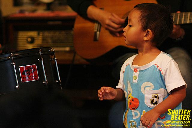 Pandai Besi live at Rukustik #5:Perayaan 10 Tahun Kineruku-22