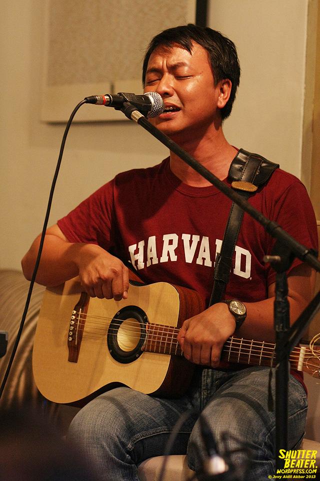 Pandai Besi live at Rukustik #5:Perayaan 10 Tahun Kineruku-23