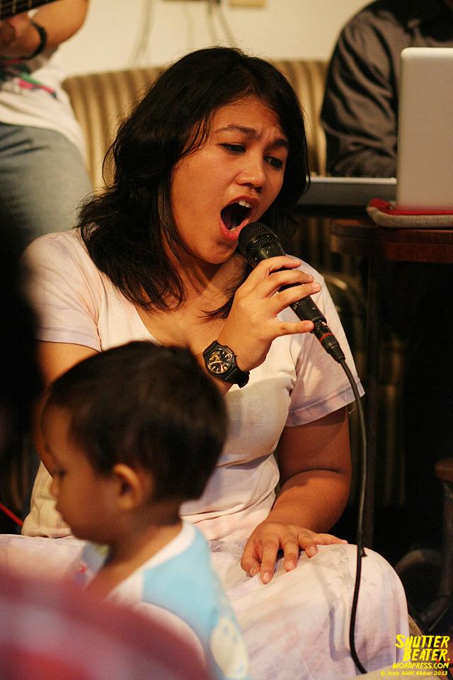 Pandai Besi live at Rukustik #5:Perayaan 10 Tahun Kineruku-24