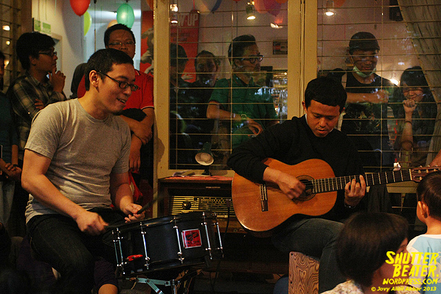 Pandai Besi live at Rukustik #5:Perayaan 10 Tahun Kineruku-26