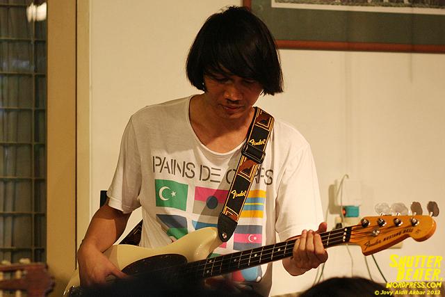 Pandai Besi live at Rukustik #5:Perayaan 10 Tahun Kineruku-3