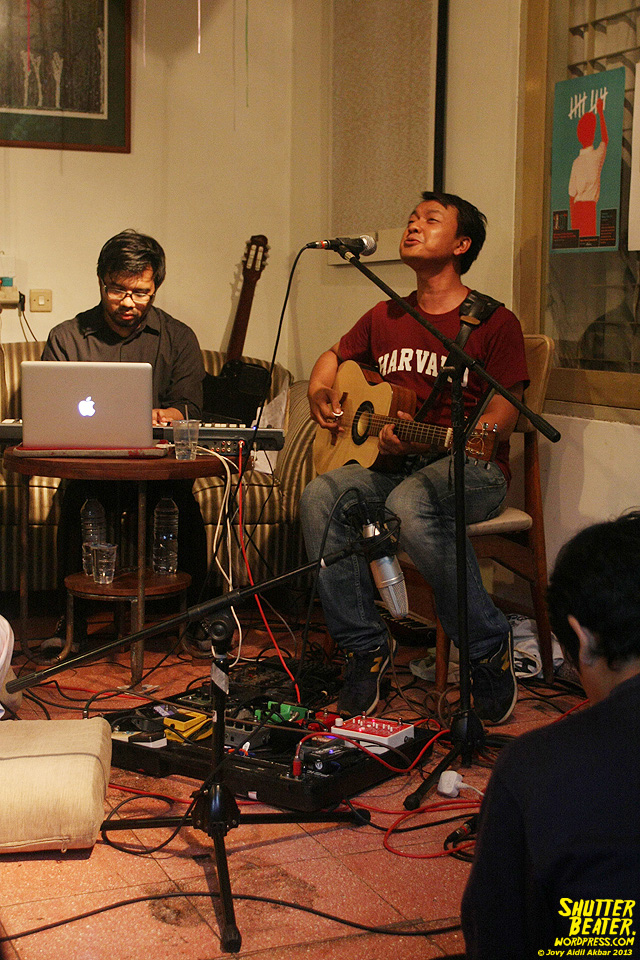 Pandai Besi live at Rukustik #5:Perayaan 10 Tahun Kineruku-30