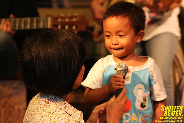 Pandai Besi live at Rukustik #5:Perayaan 10 Tahun Kineruku-31